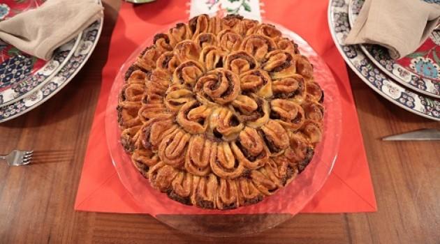 Nursel'in Mutfağı Çay Saati Menüsünden Kıymalı Maydanozlu Kek Tarifi 25.04.2016