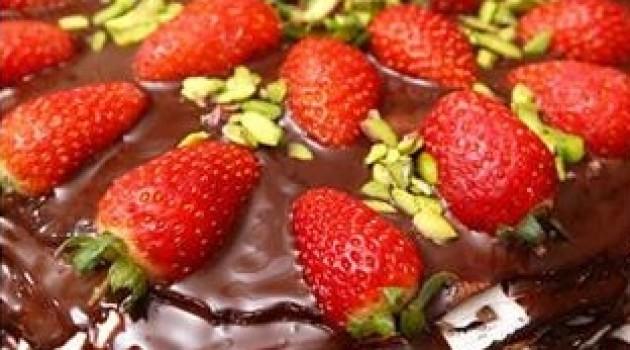 Nursel'in Evi Çay Saati Menüsünden Çikolatalı Krepli Pasta Tarifi 25.11.2016