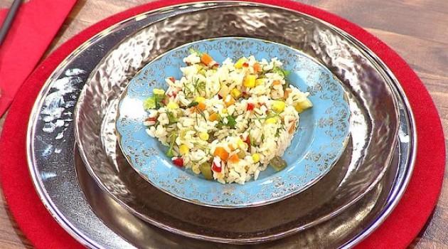 Gelinim Mutfakta Pirinç Salatası Tarifi 17.04.2019