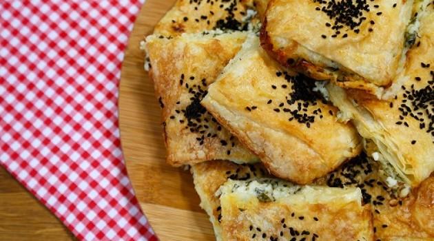 3 Peynirli Sodalı Börek Tarifi