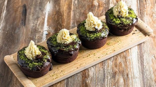 Gelinim Mutfakta Çikolatalı Dev Cupcake Tarifi 17.04.2020