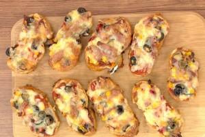 Öykü Gürman İle Günün Yemeği Bayat Ekmek Pizzası   Tarifi 02.11.2020