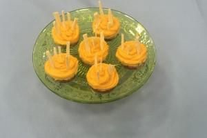 Ver fırına Carmen Kaytan'ın Balkabaklı ve Beyaz Çikolatalı Mini Cheesecake Tarifi
