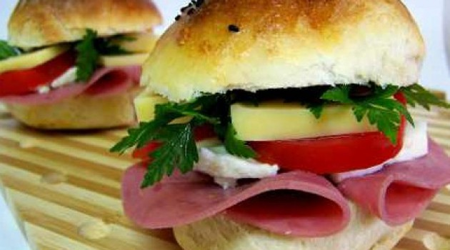 Yeşil Elma Mini Sandviçler Tarifi 16.04.2015