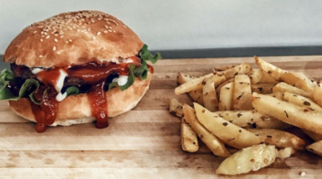 Gelinim Mutfakta Mini Hamburger ve Fırın Patates Tarifi 13.10.2020
