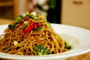 Gelinim Mutfakta Sebzeli Noodle Tarifi 22.03.2021