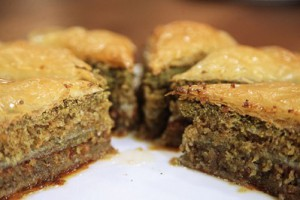 Arda'nın Ramazan Mutfağı Fıstıklı Baklava Kek Tarifi 16.07.2015