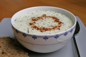 Yoğurtlu Yarma Çorbası Tarifi